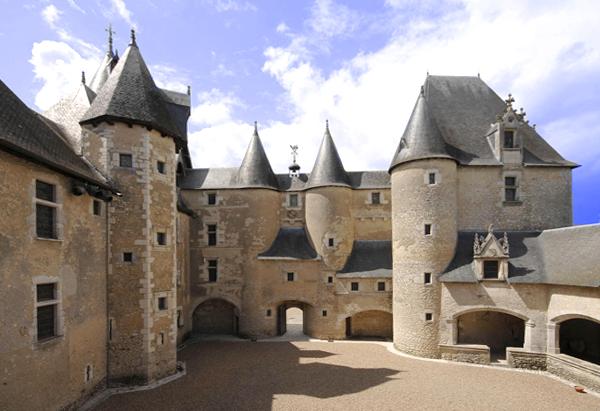 chateau-de-fougeres-sur-bievre--adt41